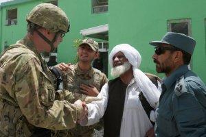 692322-interprete-afghan-2e-partir-gauche
