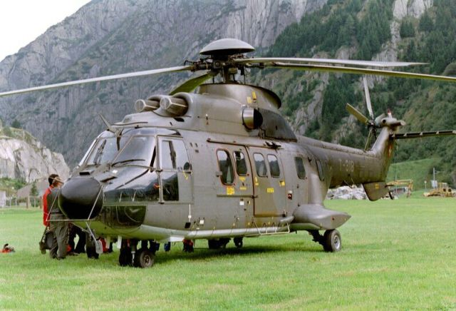 super_puma_as332_helicopter_france_05