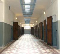 200_180_montluc_couloir_cellules2