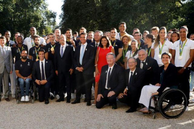 903959-la-delegation-olympique-francaise-recue-a-l-elysee-le-23-aout-2016